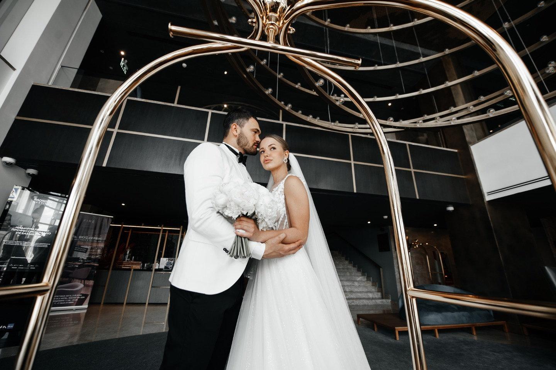 Solar party: стильная свадьба у воды