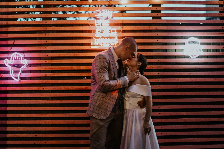 Душевно и с драйвом: свадьба-вечеринка в Loft Hall