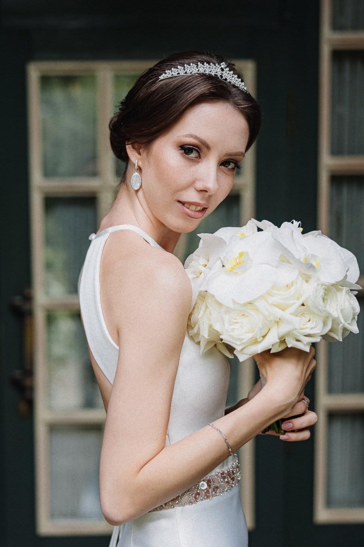 Искусство любви: свадьба у воды в небесных оттенках