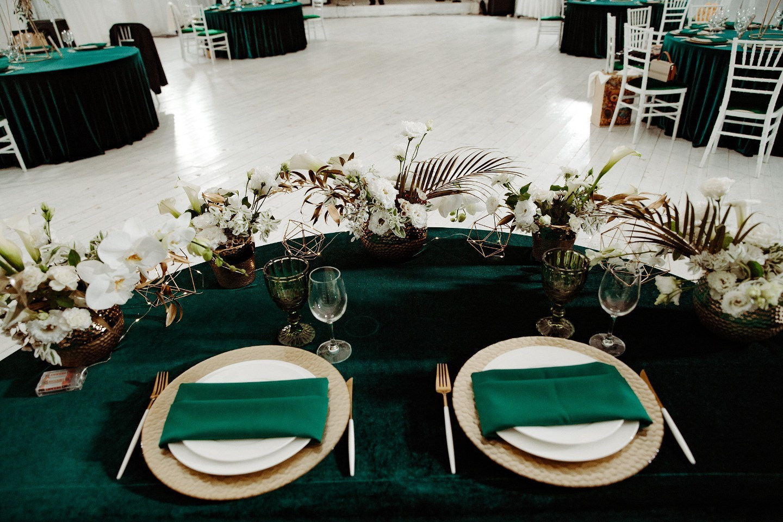 Итальянский стиль: камерная свадьба на открытом воздухе