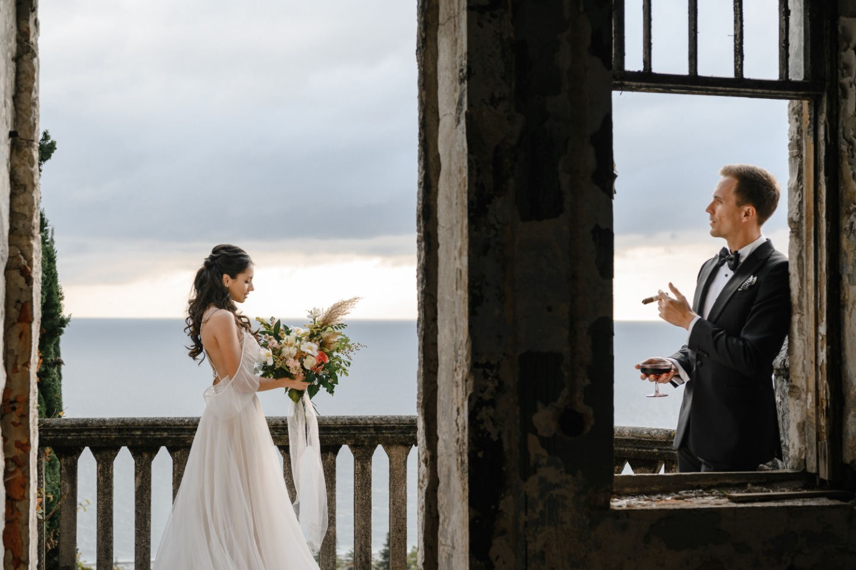 Вкус дождя и запах кипарисов: свадьба для двоих в Абхазском замке