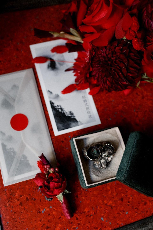 «Сердце бьется чаще»: концептуальная свадьба в красных оттенках