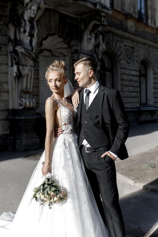 Elegance: камерная свадьба в лофте в историческом центре Петербурга