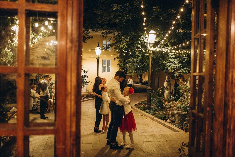Сказочный сад из детства: свадьба в камерной усадьбе