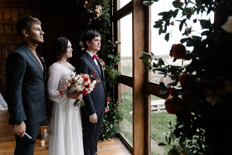 Red accent: рустик-свадьба на необычной площадке