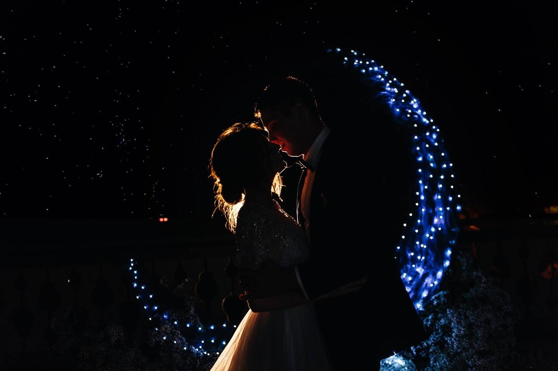 Космос внутри нас: тематическая свадьба в горах