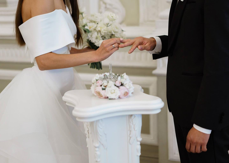 Современная классика & европейский формат: свадьба в ресторане
