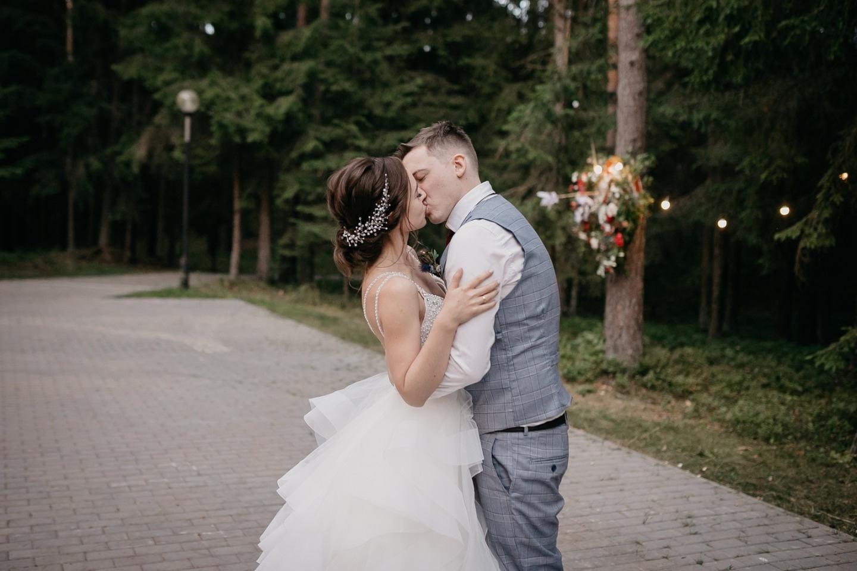 Robin Hood: тематическая лесная свадьба