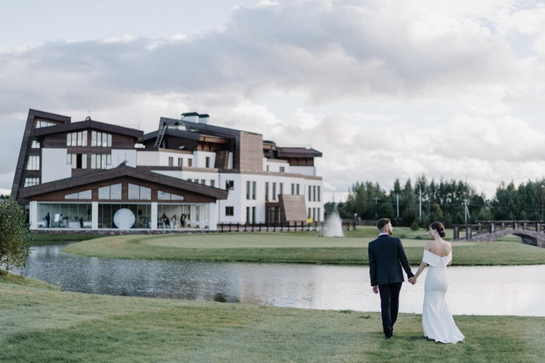 Элегантность и классика: свадьба в гольф-клубе