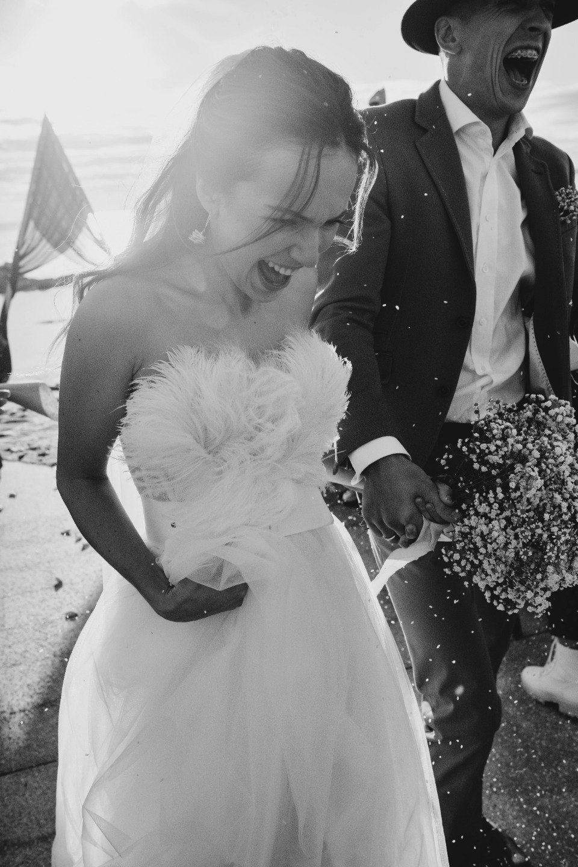 Любовь к кино: творческая свадьба у воды