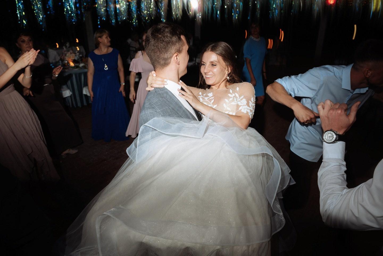 Вдохновение диснеевскими мультфильмами: романтическая свадьба