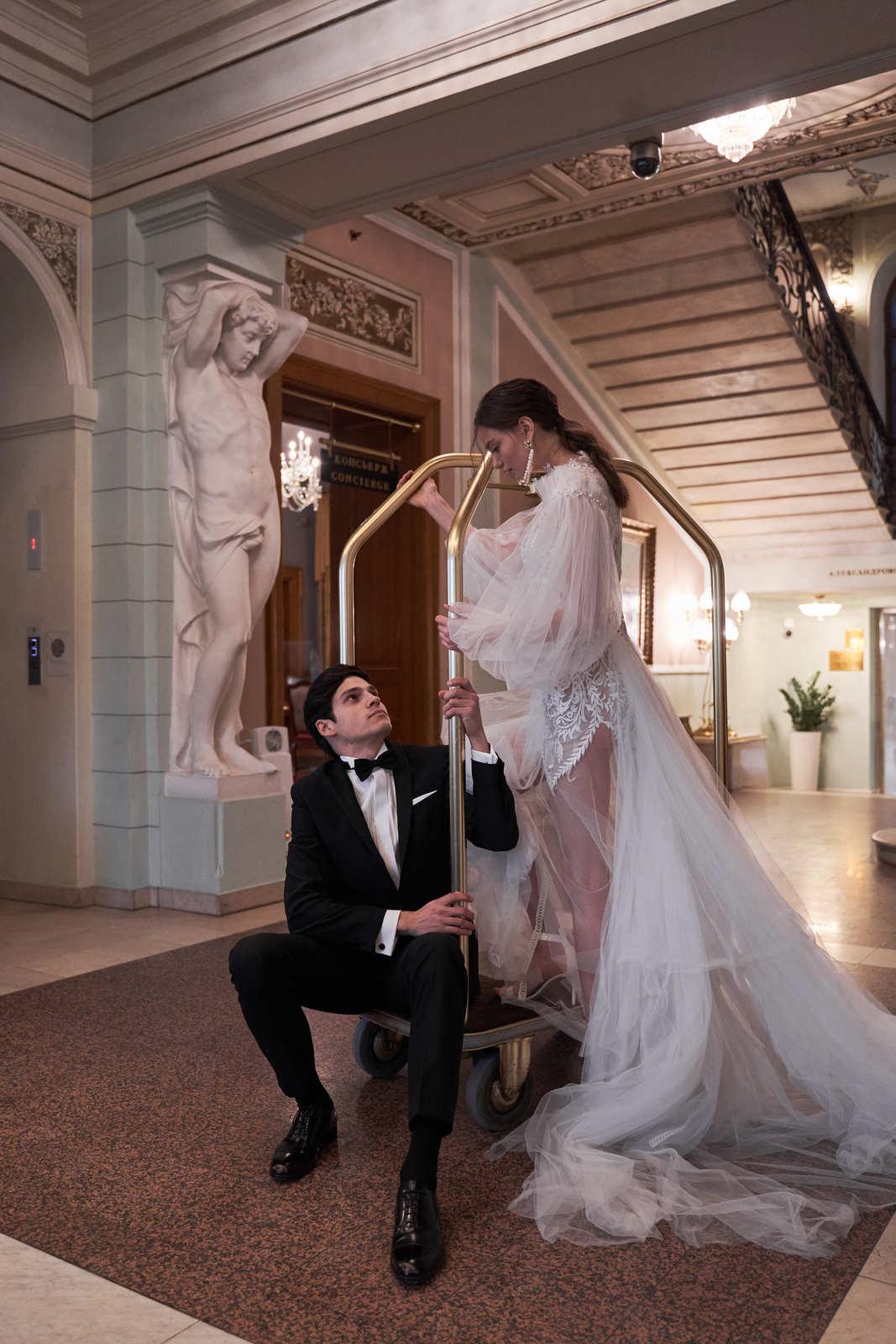 Свадьба для двоих в самом сердце Москвы: стилизованная съёмка