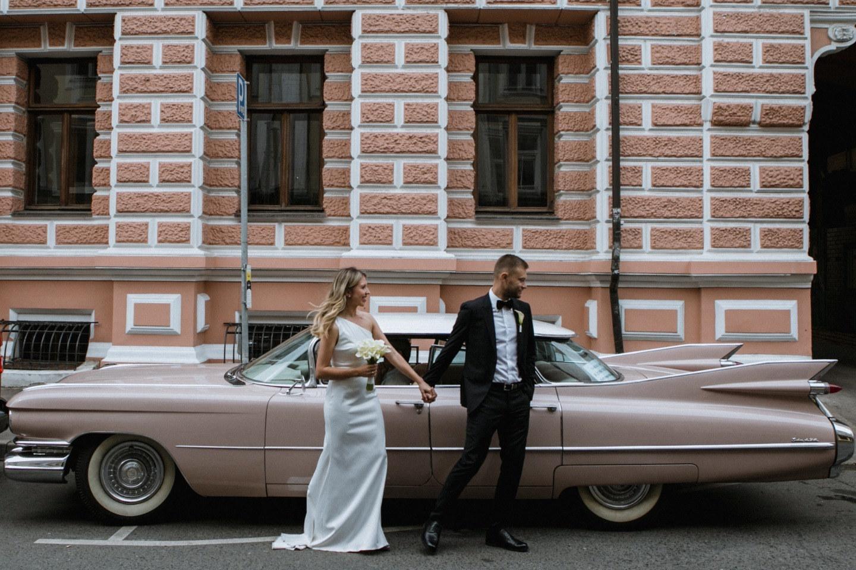 Камерная и элегантная свадьба в ресторане на крыше