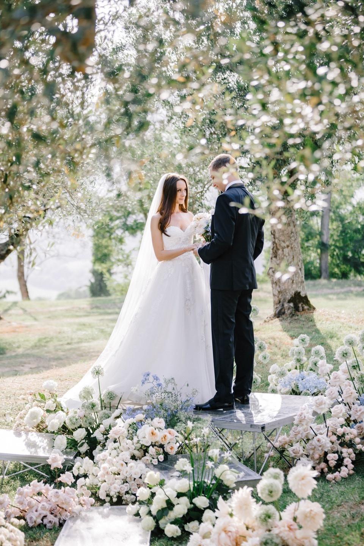 Под одним небом Италии: свадьба в Borgo Bastia Creti