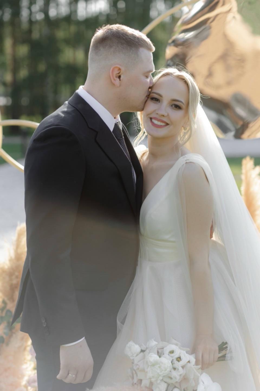 Eco Park: воздушная свадьба в бежевых оттенках