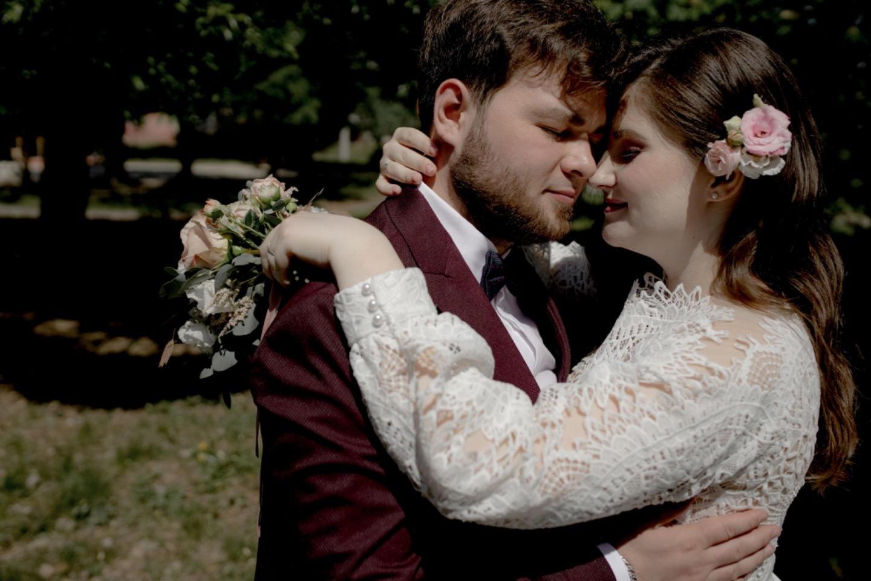 Family atmosphere: свадьба в лесном бору