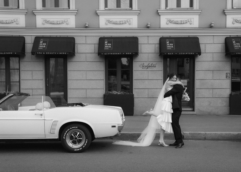 Современная классика: элегантная свадьба в ресторане