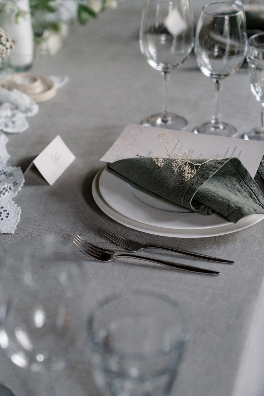 В стиле русской сказки: уютная свадьба в загородном клубе