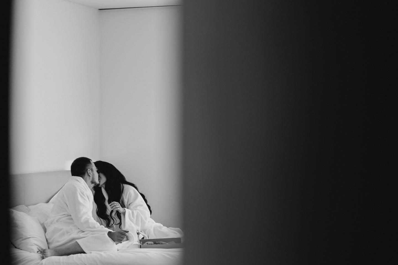 Unusual love-story: стильная камерная свадьба