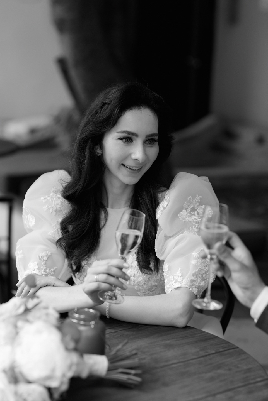 Romance of the soul: сказочная свадьба в ресторане