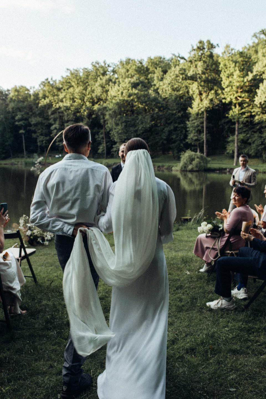 Слияние с природой: эко-свадьба за городом