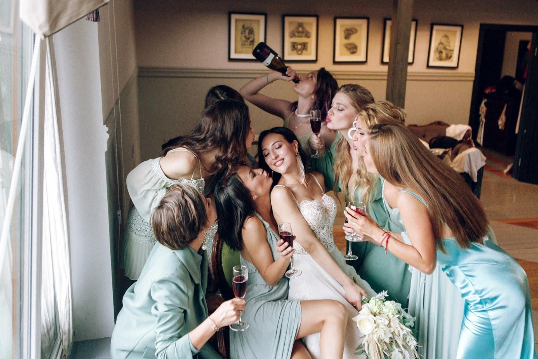 Pistachio color: богемная свадьба в загородном отеле