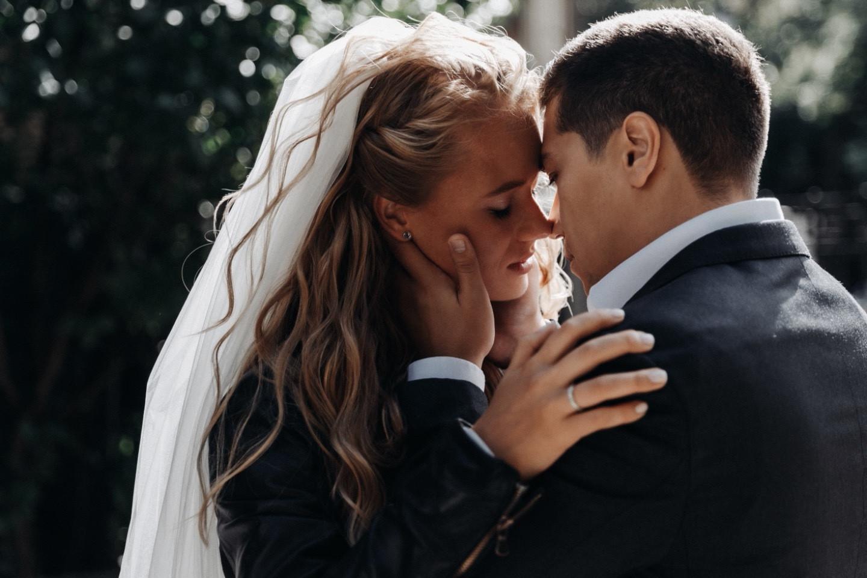 Романтично-готический шик: необычная свадьба в особняке