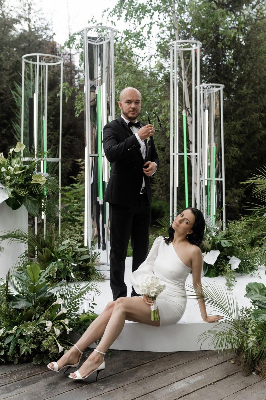 Минимализм и неоновое безумие: необычная свадьба в разных стилях