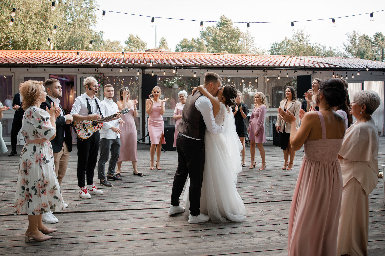 Relaxed atmosphere: лаконичная свадьба