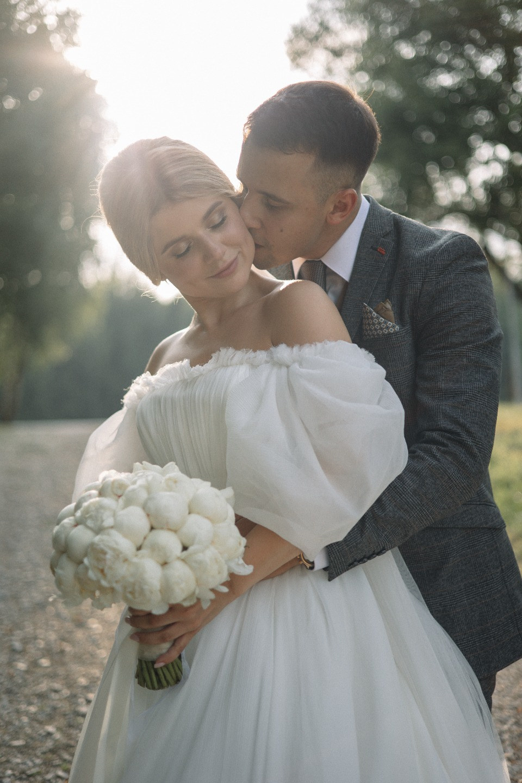 Воздух и минимализм: свадьба в эко-клубе Голицыно